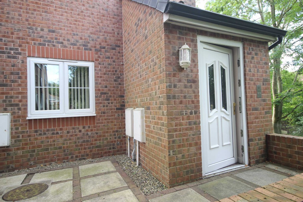 2 Bedroom Flat To Let Boundary Court Image $key