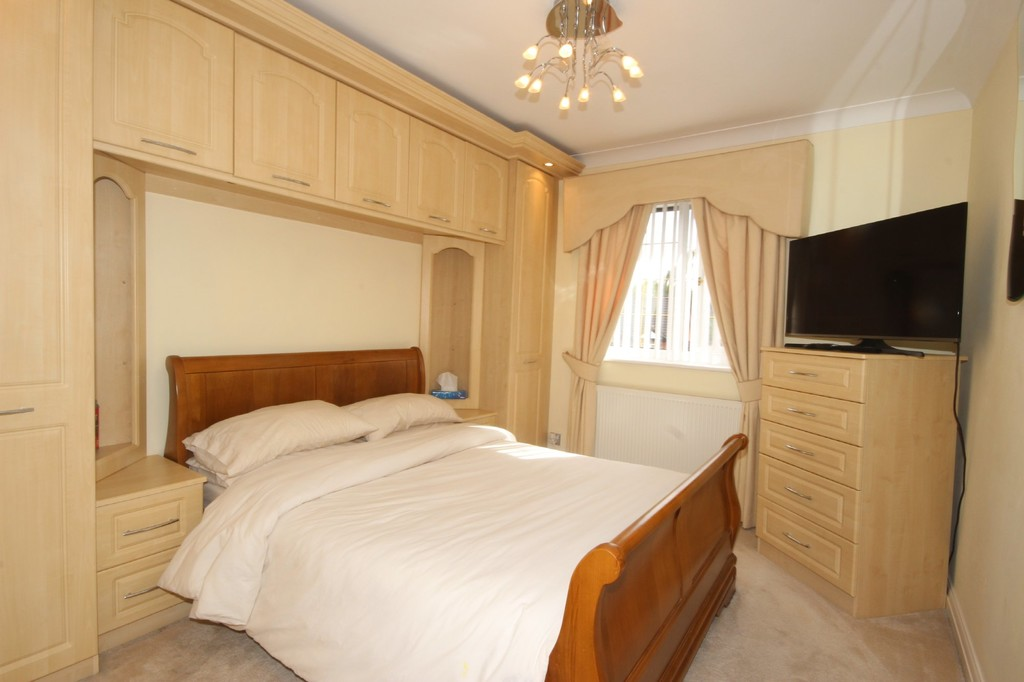 4 Bedroom Detached House For Sale Falconwood Chase Image $key