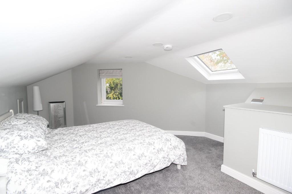 5 Bedroom Semi-detached House For Sale Park Road Image $key