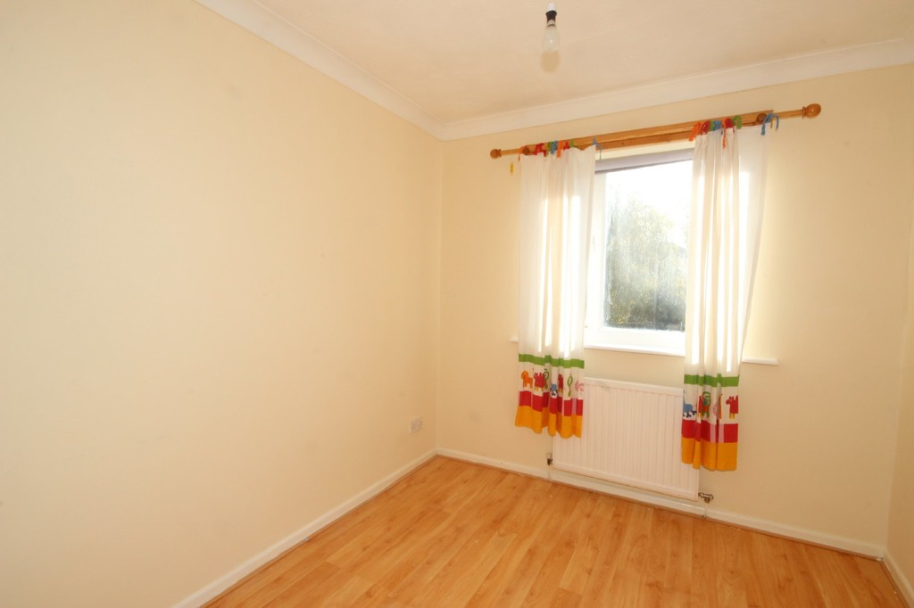 3 Bedroom Semi-detached House Let Agreed Blackleach Drive Image $key
