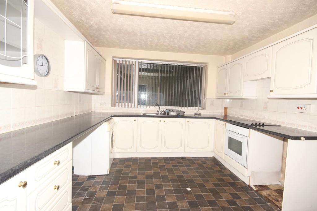 2 Bedroom Detached Bungalow Bungalow Sold Subject to Contract Ellenbrook Road Image $key