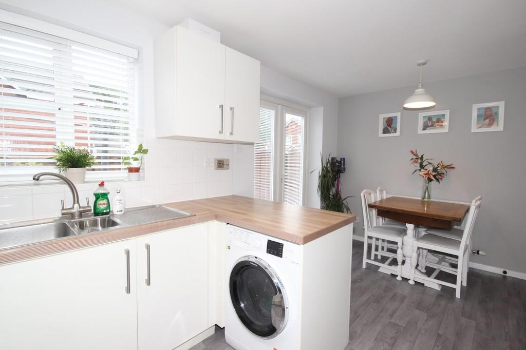 3 Bedroom Semi-detached House Let Agreed Moorfield Road Image $key
