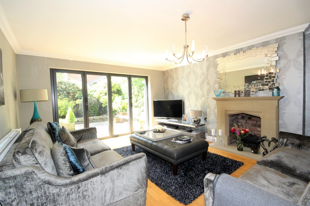 6 Bedroom Detached House Sold Chatsworth Road Image $key