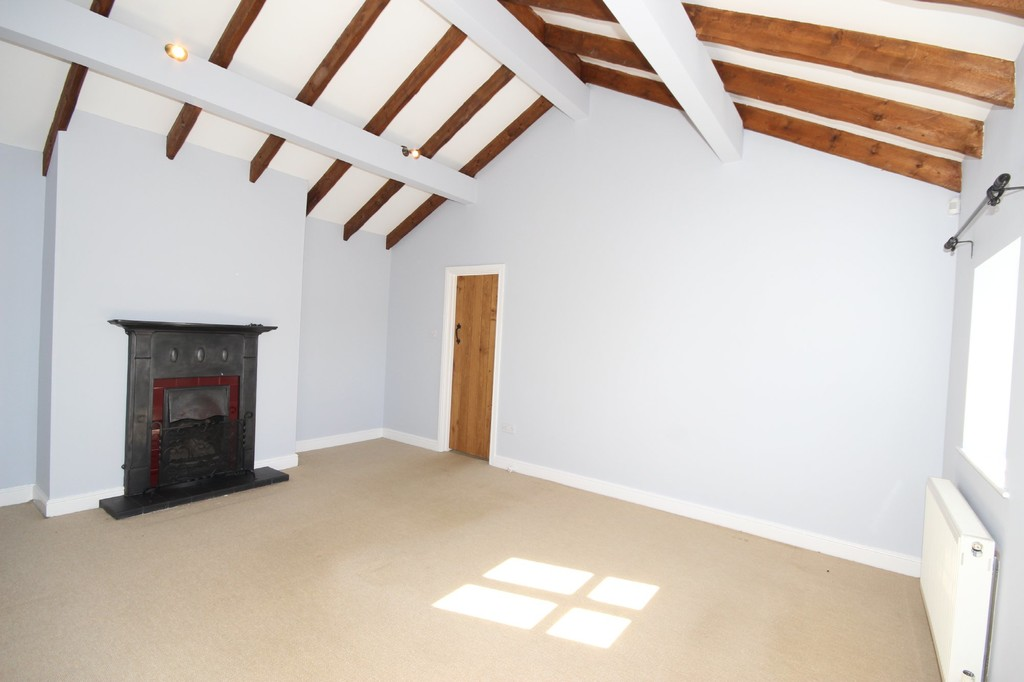 5 Bedroom Farm House To Let City Road Image $key
