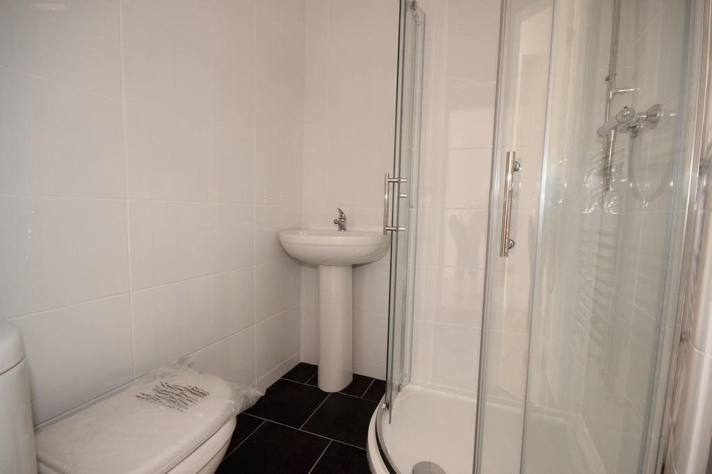 4 Bedroom Semi-detached House Let Agreed Houghton Lane Image $key