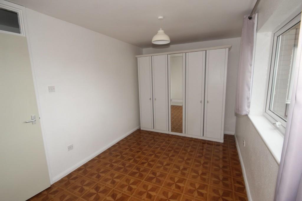 2 Bedroom Flat To Let Greenside Court Image $key