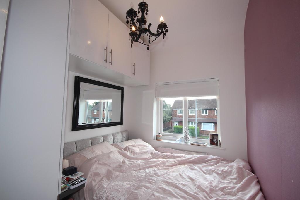 3 Bedroom Semi-detached House Let Agreed Folly Lane Image $key