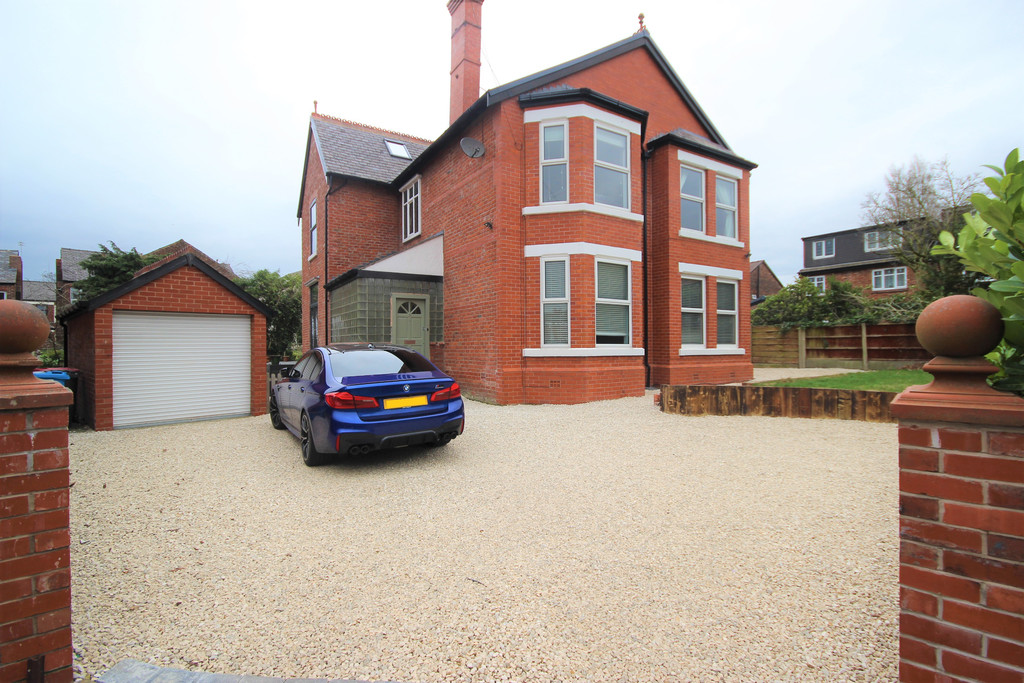 5 Bedroom Detached House For Sale Highfield Drive Image $key