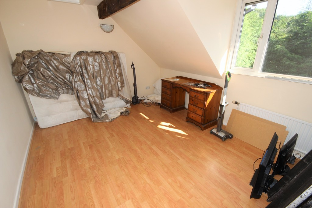 4 Bedroom Detached House For Sale Woodstock Drive Image $key