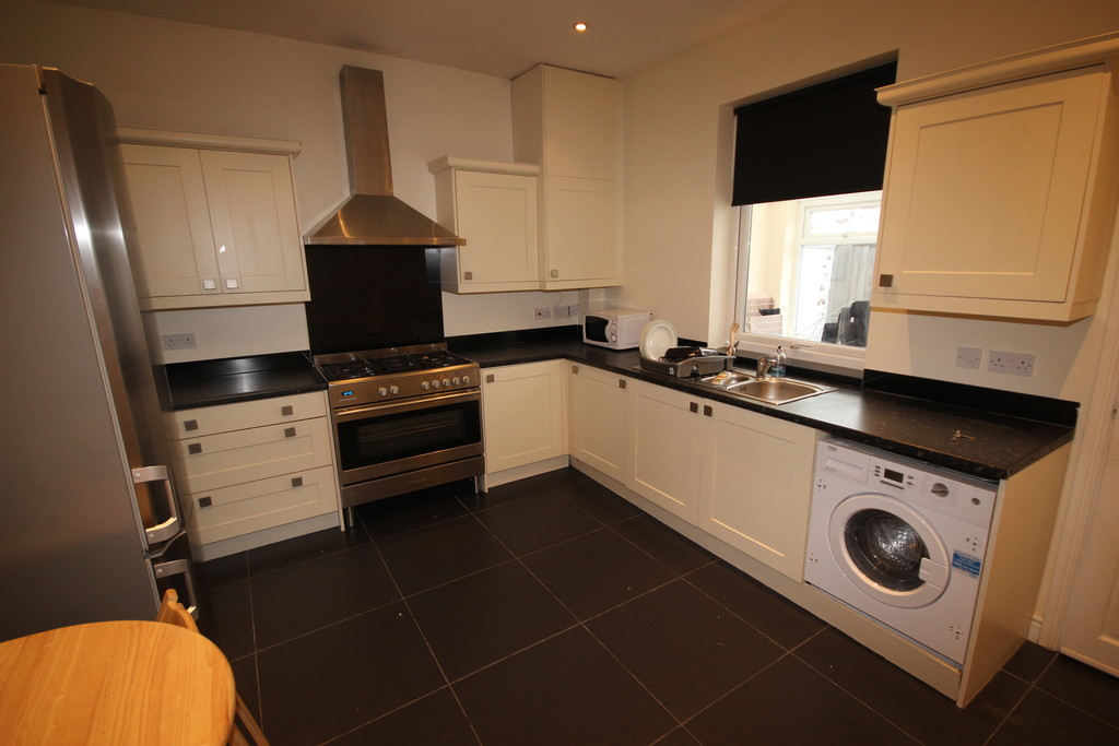 2 Bedroom Mid Terraced House To Let Partington Street Image $key