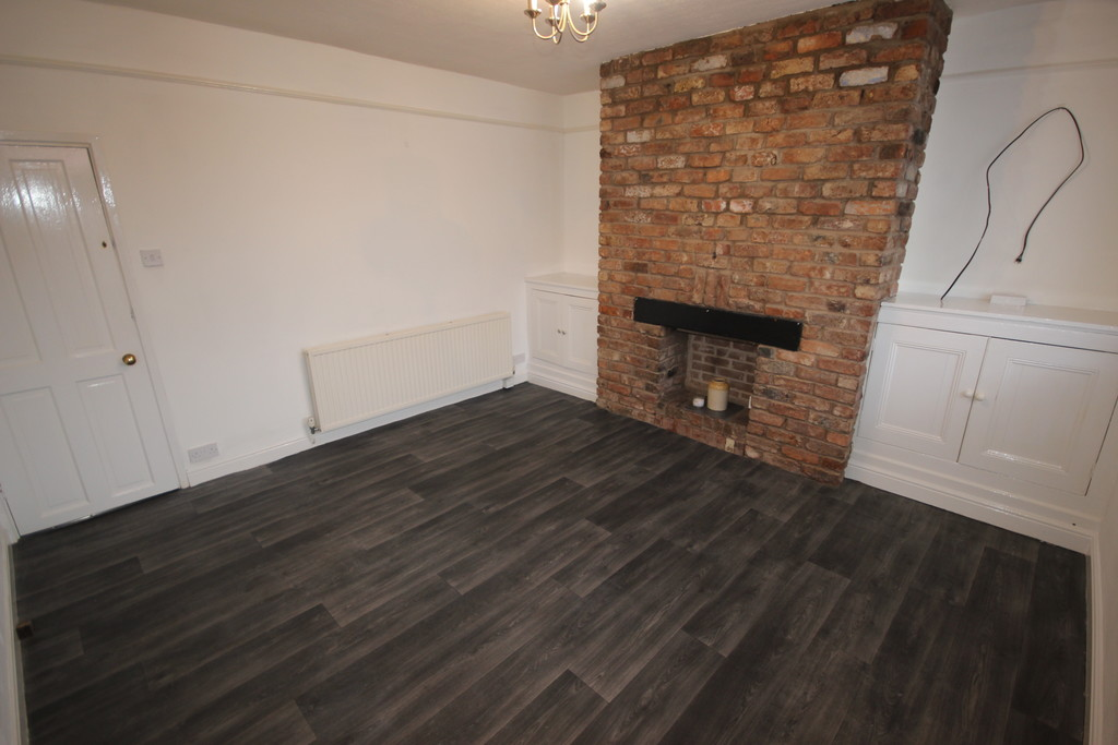 2 Bedroom End Terraced House To Let Greenleach Lane Image $key