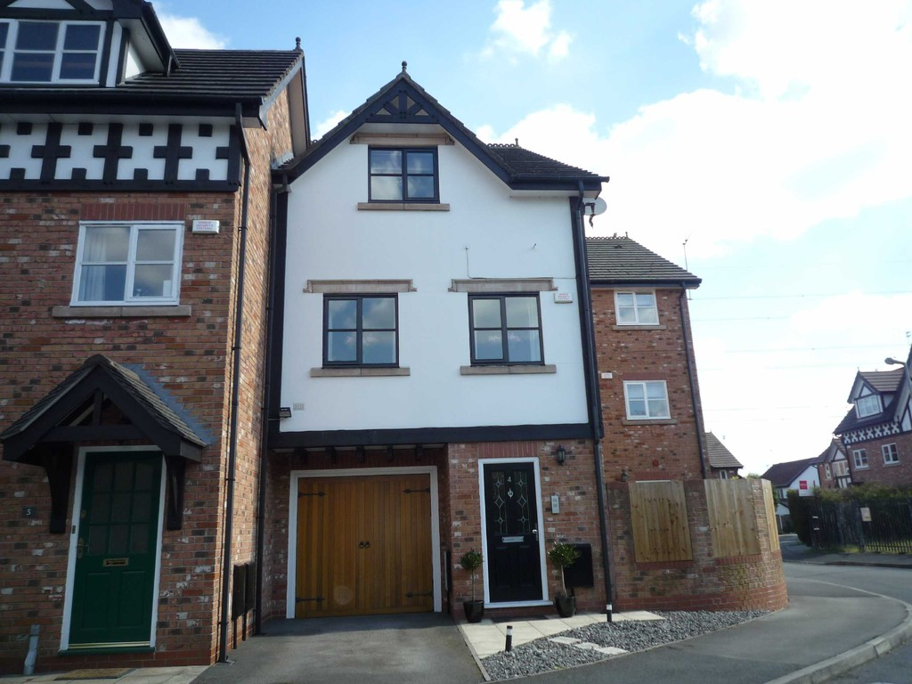 4 Bedroom Town House To Let Lower Brook Lane Image $key