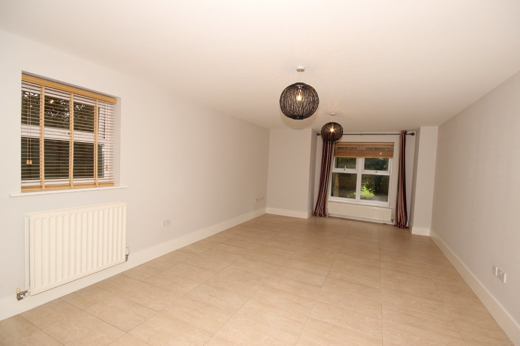 2 Bedroom Apartment Flat Let Agreed The Coppice Image $key