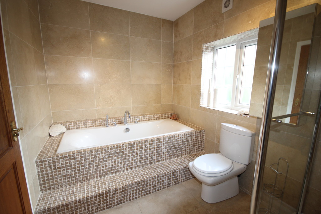 6 Bedroom Detached House For Sale Leigh Road Image $key