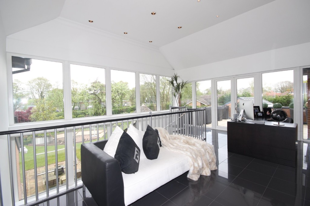 5 Bedroom Detached House For Sale Chatsworth Road Image $key