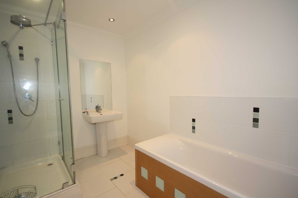 3 Bedroom Apartment Flat To Let The Lime Kilns Image $key