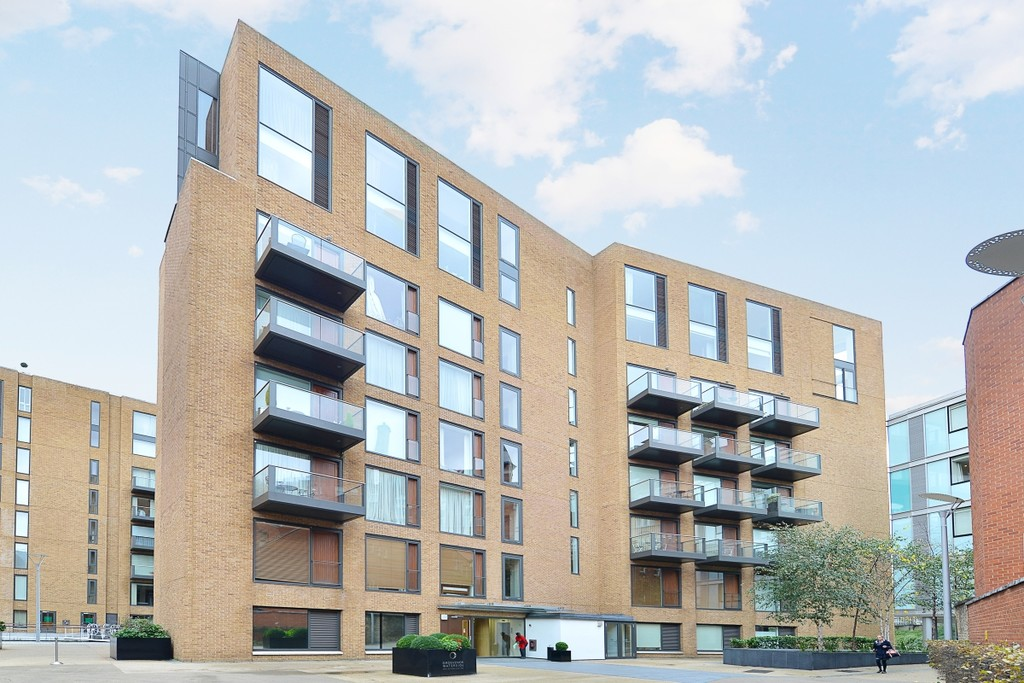 Hirst Court,  Grosvenor Waterside,  Gatliff Road,  SW1W