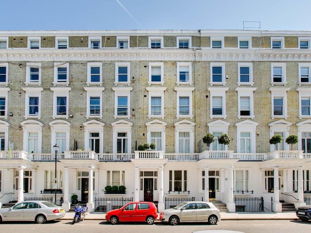Harcourt Terrace,  Fulham,  SW10