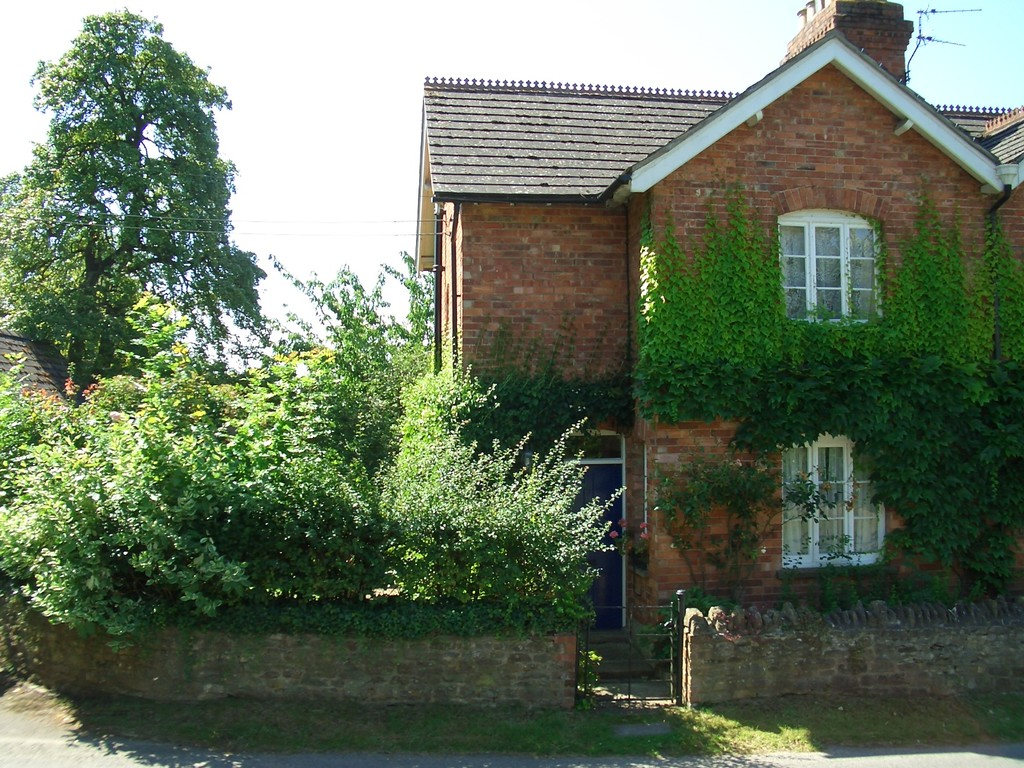 Photo of  2 Holmer Cottages Woolstone Lane