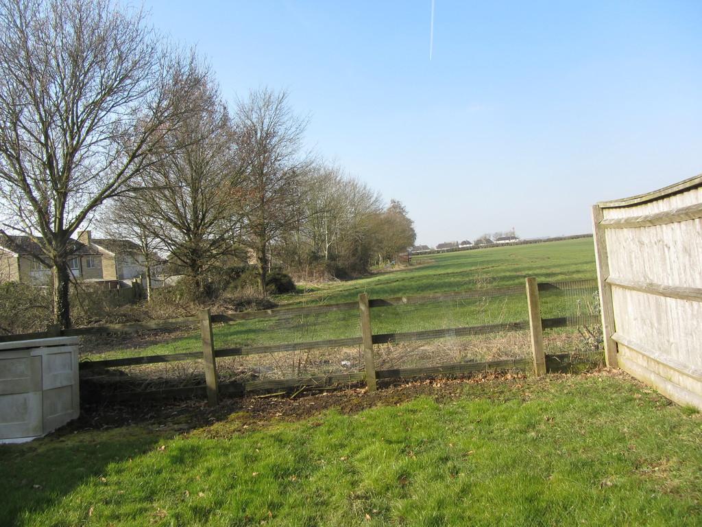 Winters Field, Kempsford