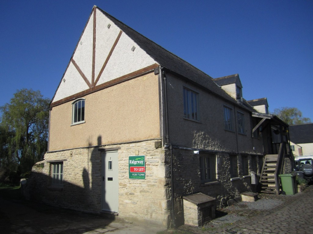 Riverside Mews, Lechlade