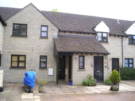 Manor Court, Fairford