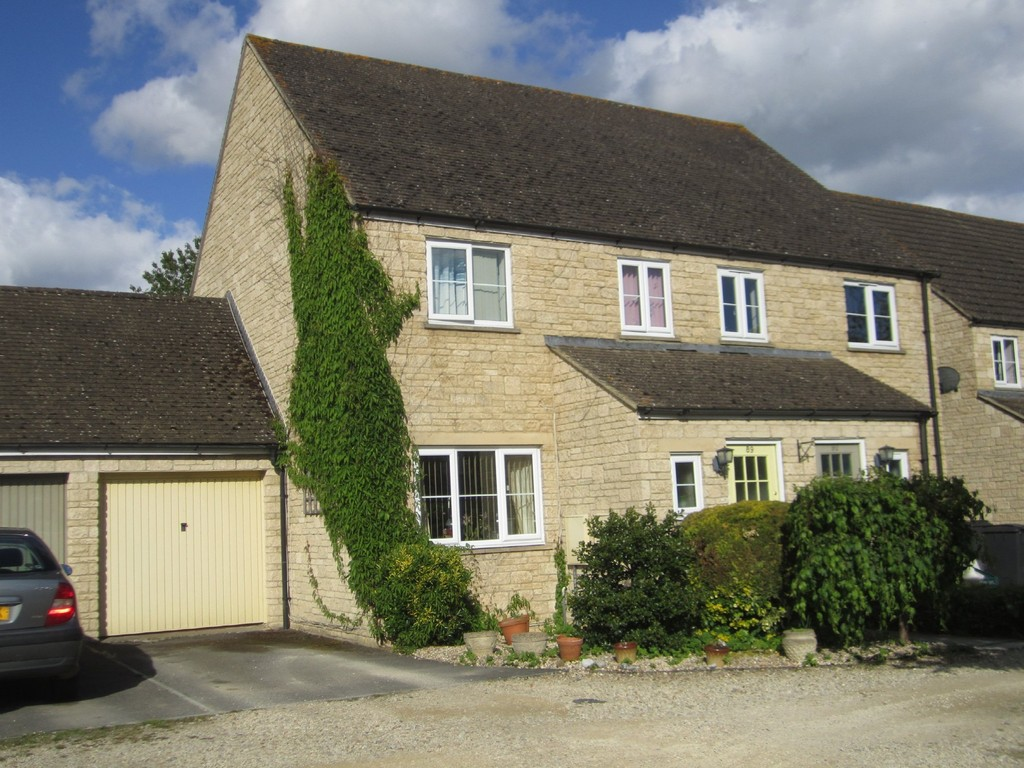 Perrinsfield, Lechlade