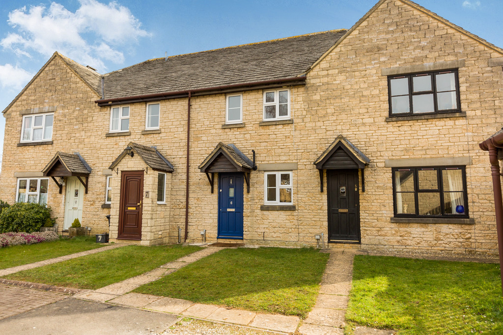 Barker Place, Fairford