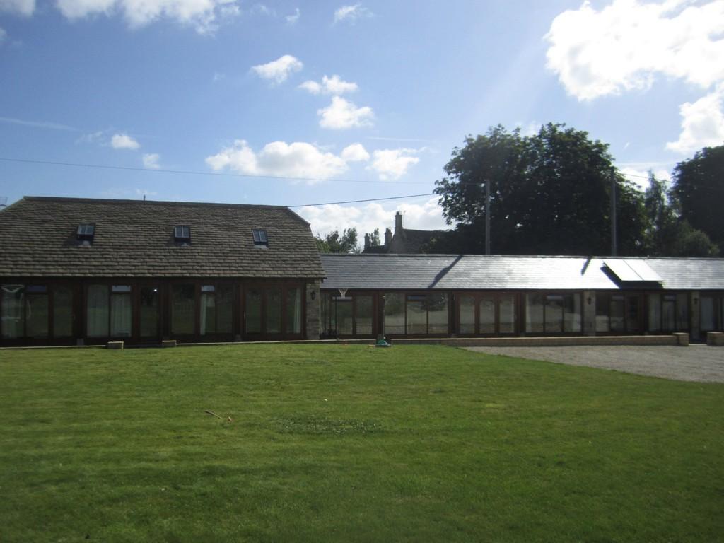 Station Road, Langford