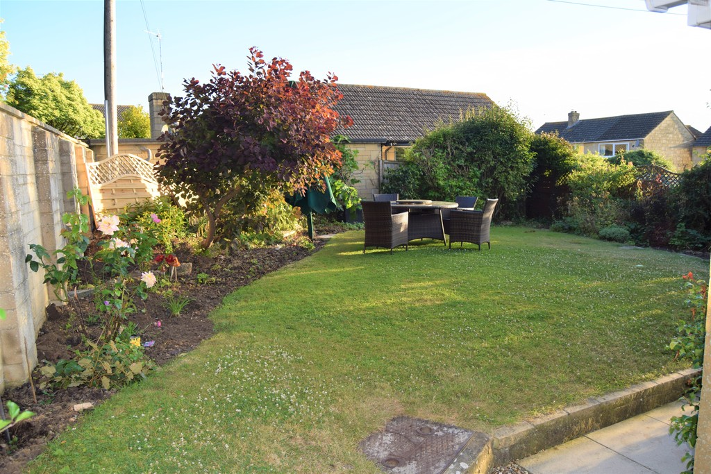 Grove Hill, Highworth