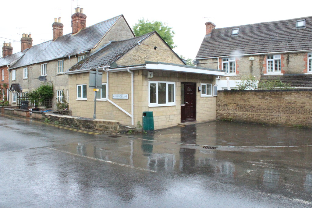 Burford Road, Lechlade