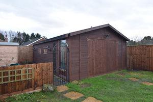 http://media2.jupix.co.uk/v3/clients/554/properties/3786/IMG_3786_12_large.jpg