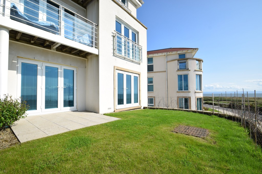 An Elevated Ground Floor Apartment With Outstanding Views Over Locks Common, Porthcawl
