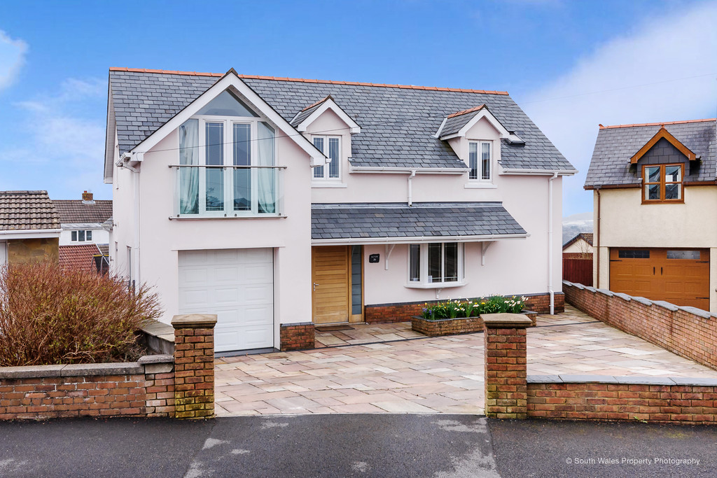 Contemporary & Individually Designed Detached Property Situated In The Popular Village of Penyfai, Bridgend
