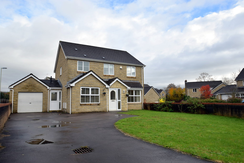 A Spacious 4 Bed Detached Family Home With No Onward Chain, Iron Way, Tondu