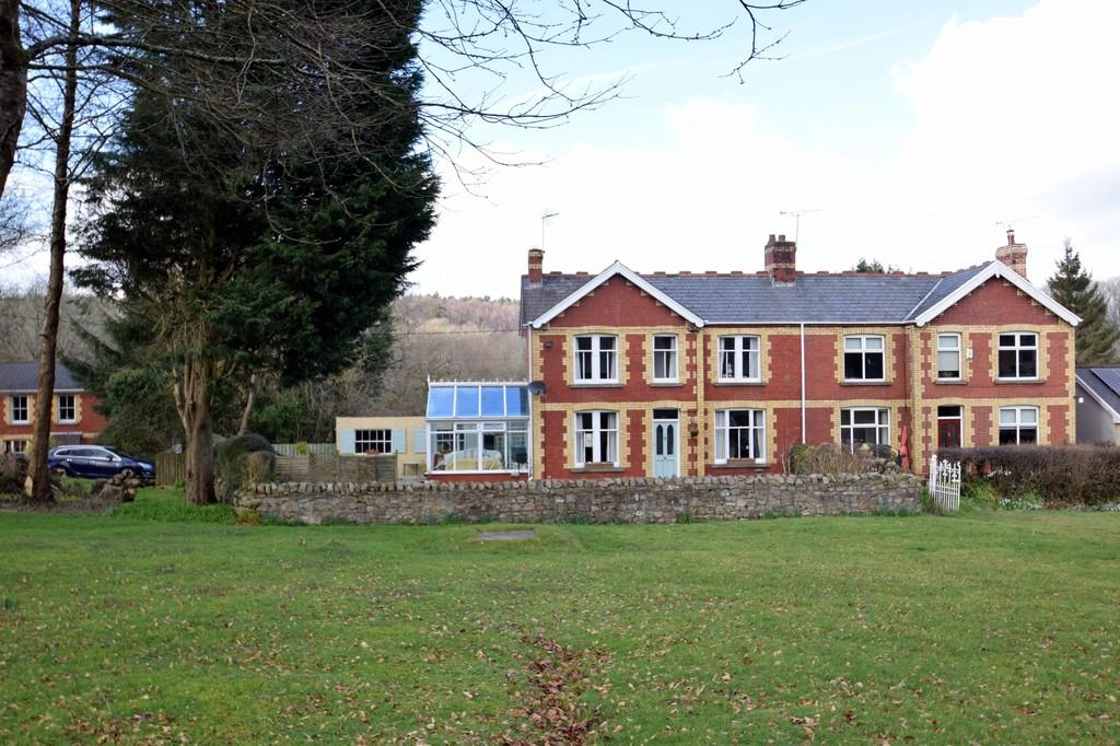 Tregwyneth West, Court Colman Road, Pen-Y-Fai, Bridgend, Bridgend County Borough, CF31 4NF.