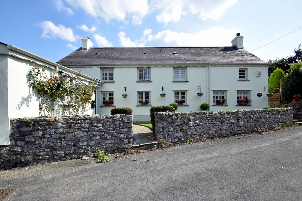 A Rare Opportunity To Acquire A Picturesque Detached Cottage Situated In The Charming Village of Laleston, Bridgend