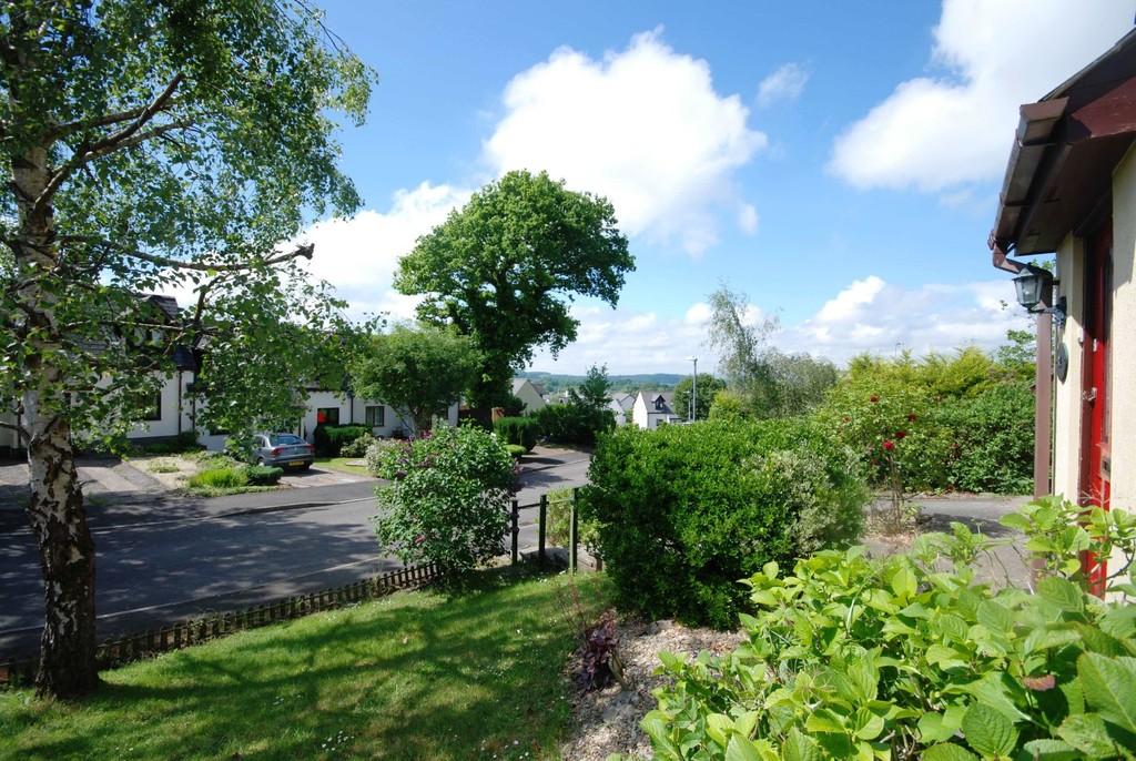 Hillside Drive, Cowbridge, Vale of Glamorgan, CF71 7EA
