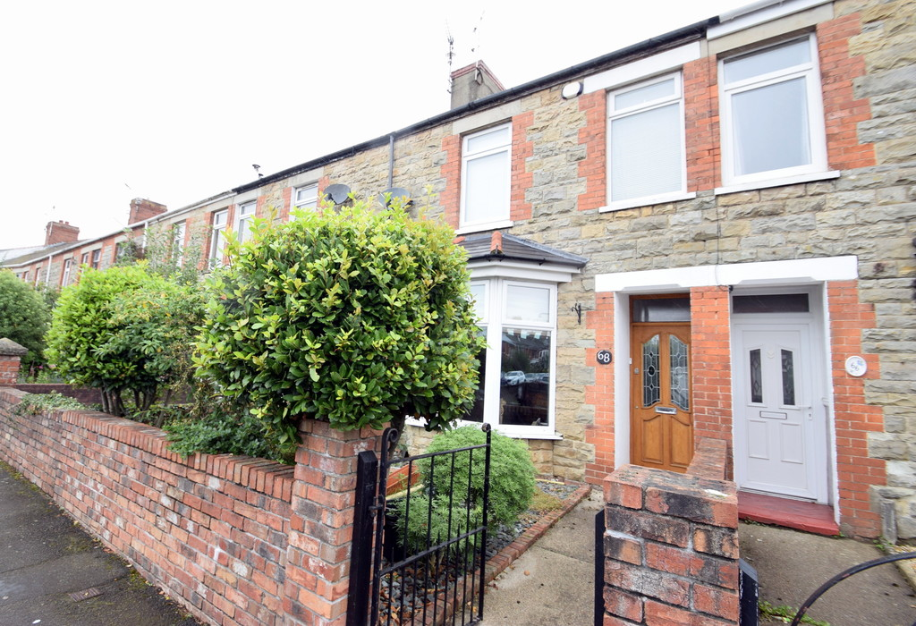 An Extended, Bay Fronted Traditional 3 Bedroom Mid Terraced Property, Grove Road, Bridgend
