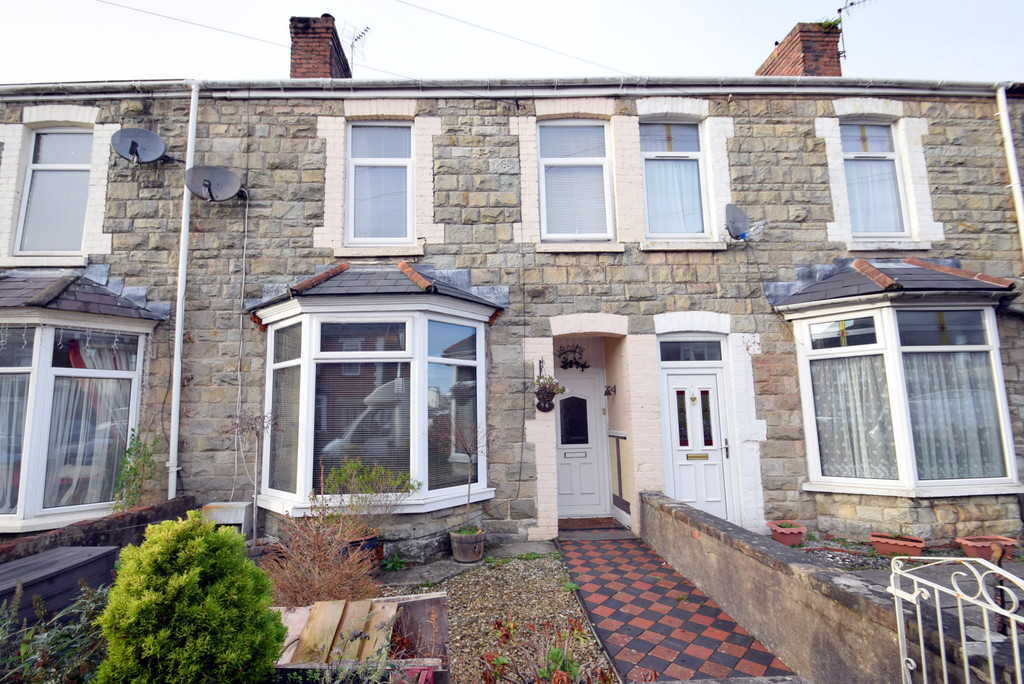 An Extended, 3 Bedroom Family Home With Original Features Located in Grove Road, Bridgend