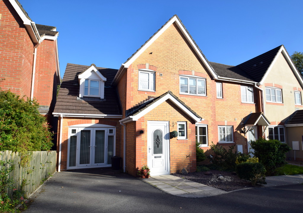 A Spacious, 3 Double Bedroom End Of Terrace Property Situated In The Popular Broadlands Development, Bridgend