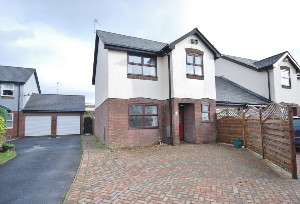 A Three Bedroom, Link Detached Home Conveniently Located On Middlegate Court, A Level Walk From Cowbridge Town Centre, Vale of Glamorgan