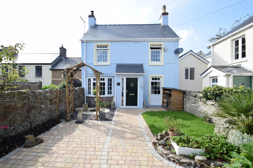 A Quaint Detached Character Cottage Situated In A Private Position And Located At The Heart Of The Village Of Newton