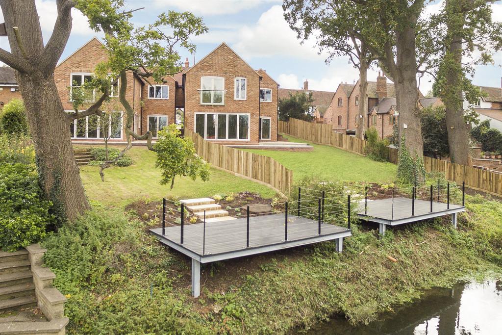 4 Bedroom Detached House, Island View House, Keytes Lane, Barford