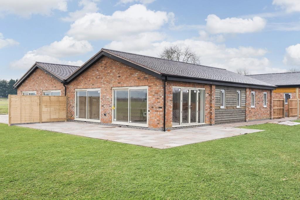 3 Bedroom Barn Conversion, Northbyre, Broad Marston