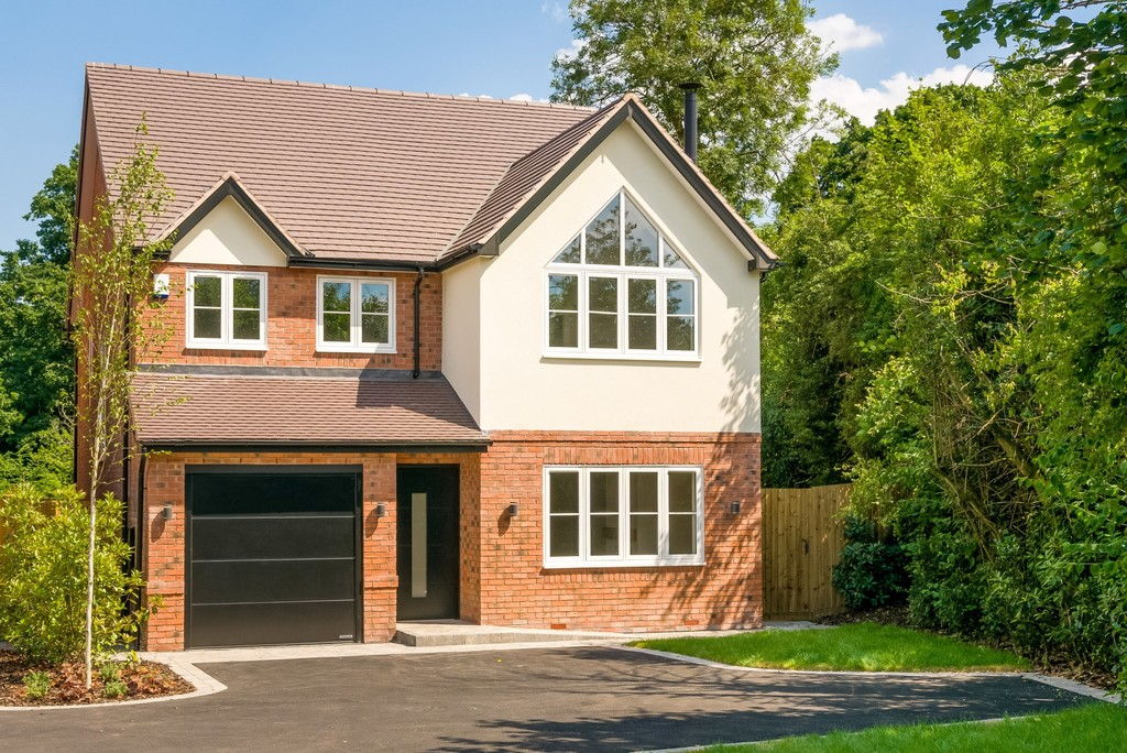 4 Bedroom Detached House, Rising House, Rising Lane, Knowle