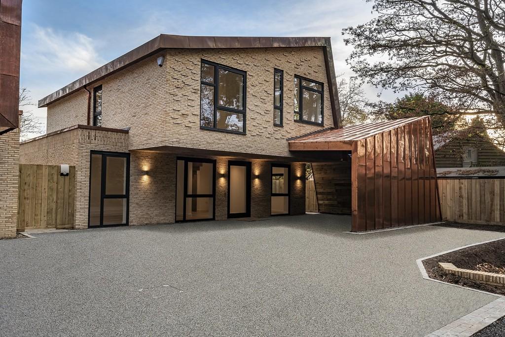 4 Bedroom Detached House, Thales, Rowington