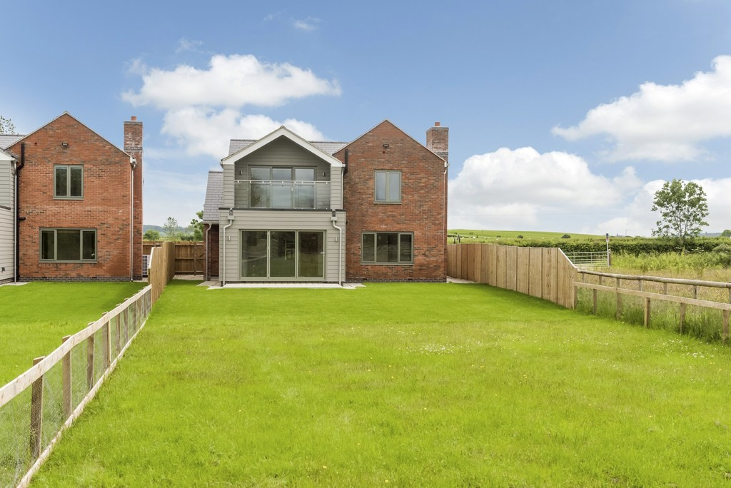 4 Bedroom Detached House, Cariad, Green Lane, Oxhill