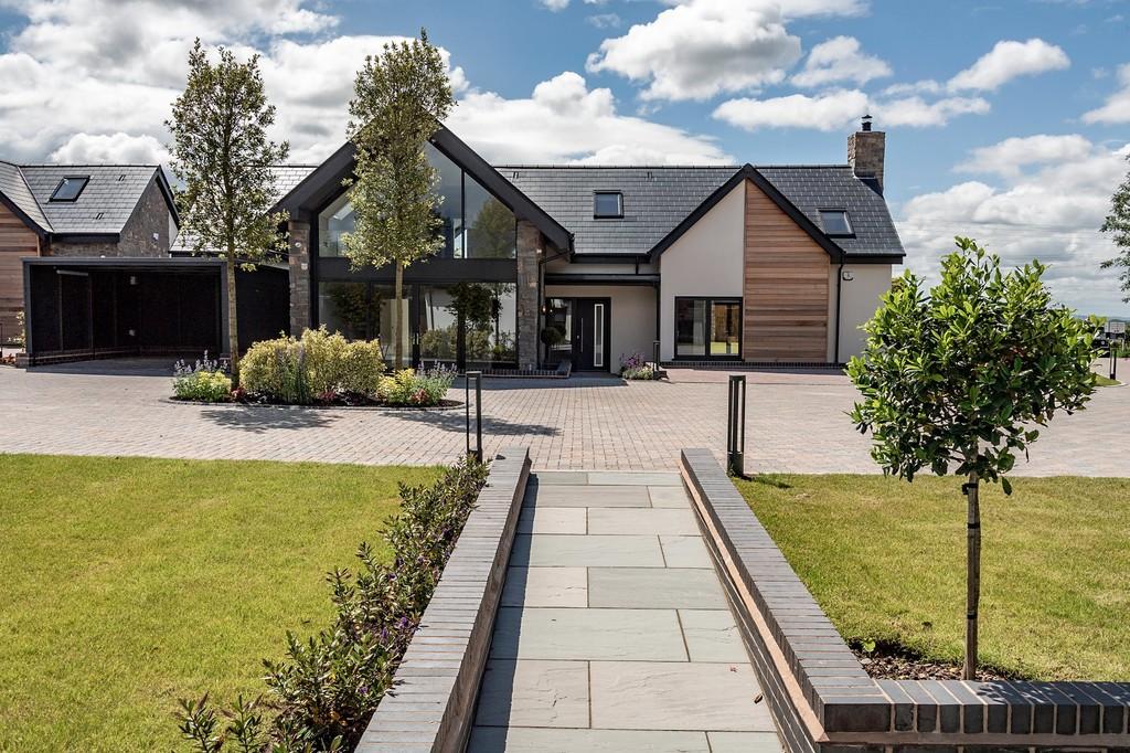 4 Bedroom Detached House, The Rialta, The Water Gardens, Henley In Arden