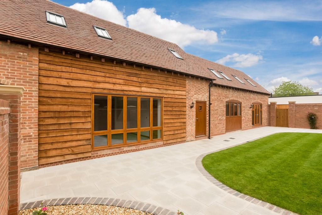 3 Bedroom Barn Conversion, The Barn, Avonmore Court, Alveston